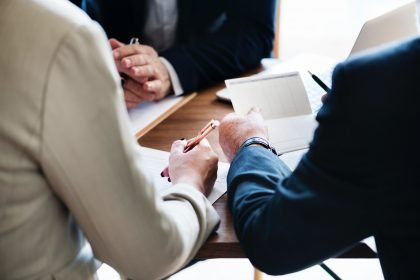 If you're looking for advice about how to exit a senior executive, look no further. Bellevue Law are here to help.